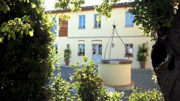 Villa cerine Casa vacanza parte esterna con pozzo