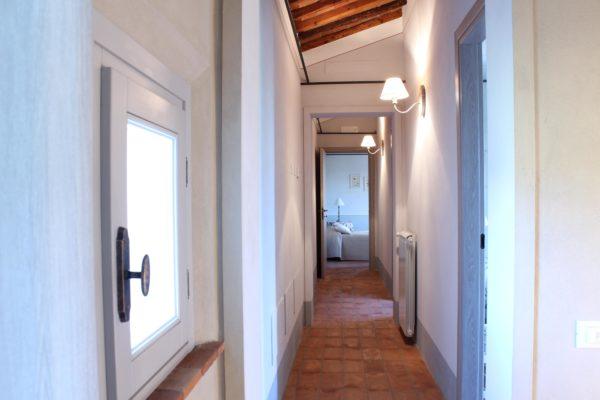 corridoio casa vacanze villa cerine