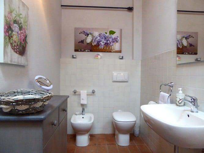 bagno casa vacanze villa cerine altopascio