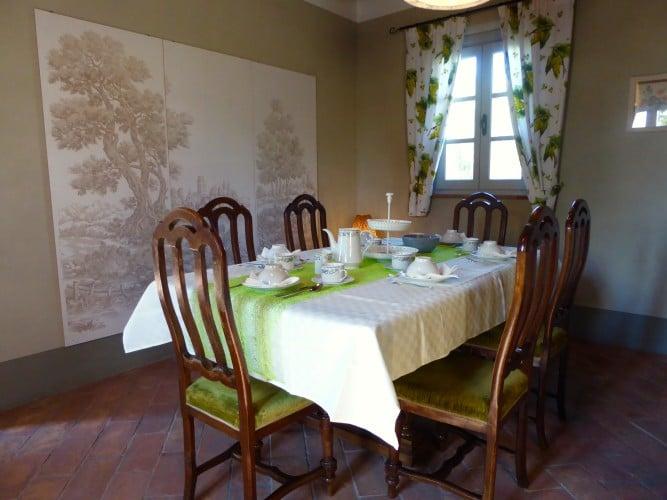 sala da pranzo casa vacanze villa cerine altopascio