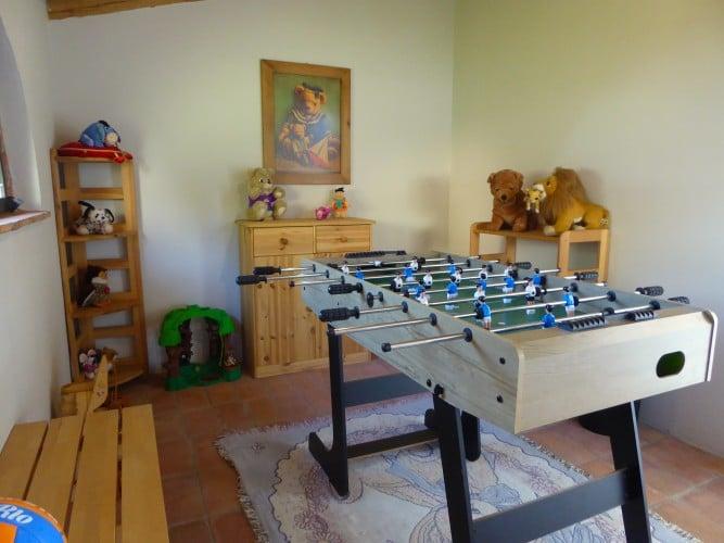 sala giochi interna calcetto casa vacanze villa cerine