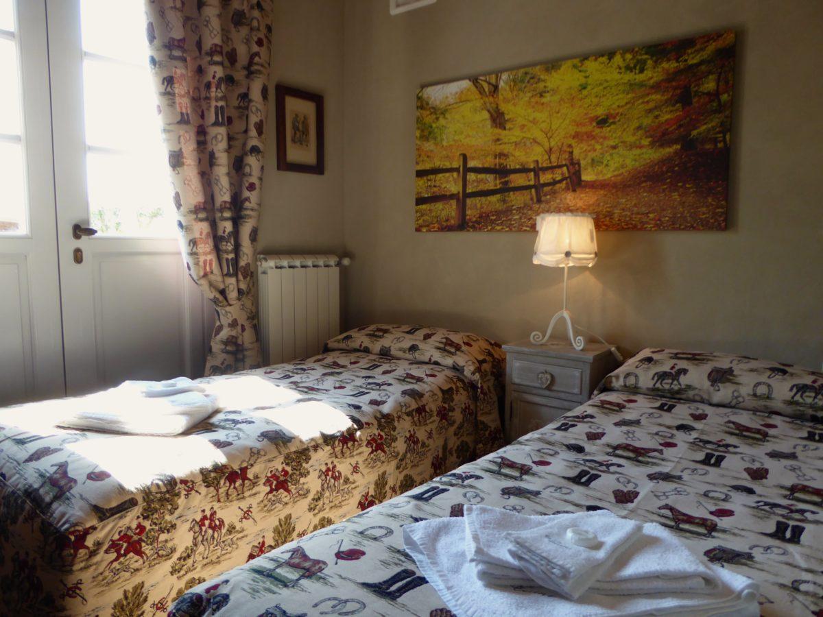 camera da letto con letti singoli casa vacanze villa cerine